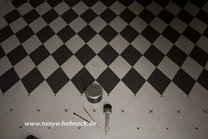 Illusionsmalerei: Fussboden bemalen Rautenmuster das-Deko-Haus