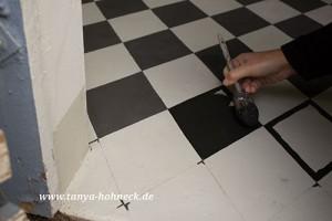 Fussboden-bemalen Fliesenoptik das-Deko-Haus