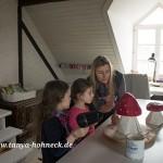 Kreativ-Kurs für Kinder, Fliegenpilz bemalen