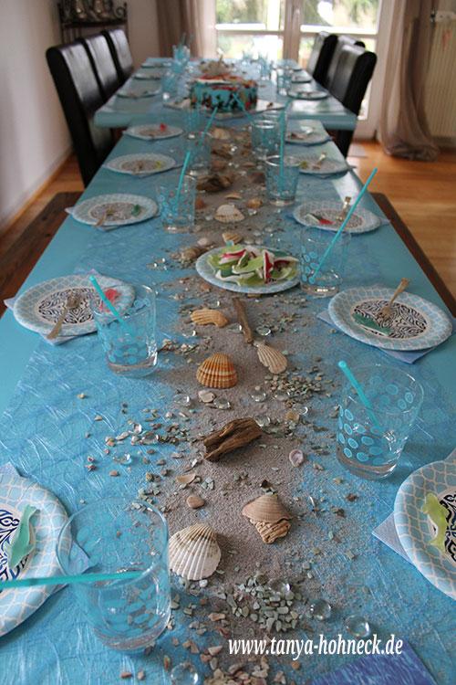 Wer Möchte, Kann Noch Kleine Tischkärtchen Basteln. Dafür Eignen Sich Die  Meerjungfrauen Gut, Wenn Sie Mit Dem Kopierer Verkleinert Werden.
