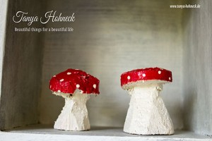 Glückspilze aus Holz Kreidefarbe Emperors Silk