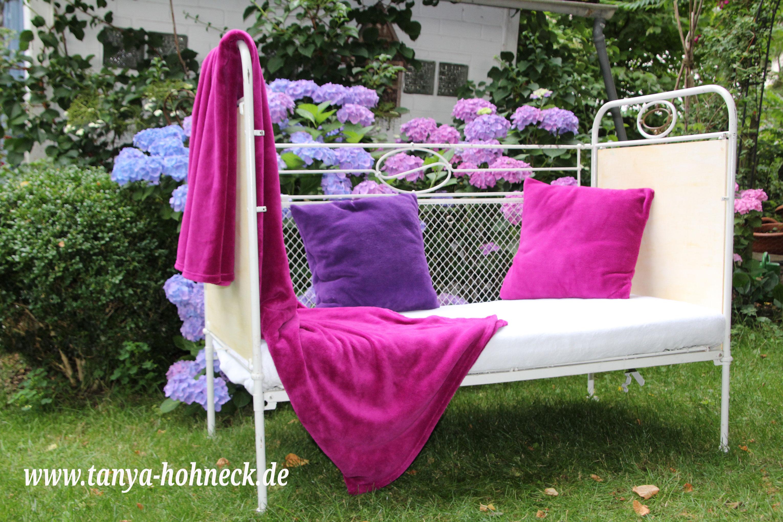 shabby chic im garten ein daybed f r sch ne tagtr ume. Black Bedroom Furniture Sets. Home Design Ideas