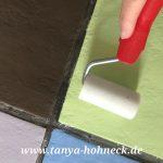 Fliesen streichen mit Kreidefarbe (chalk paint) und den Fußboden mit Fußbodenlack versiegeln, Anwendung Autentico Floor Varnish Frescolini