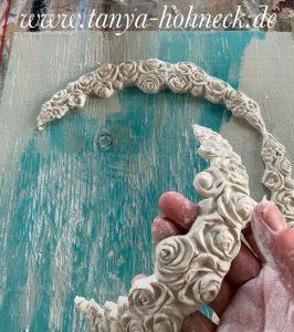 Ornamente formen mit den IOD Moulds, hier 'Swags' und Paper Clay